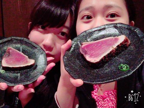 【エンタメ画像】こぶしファクトリーが現地に行っているのに鰹のタタキを1人1きれしか食べられない件