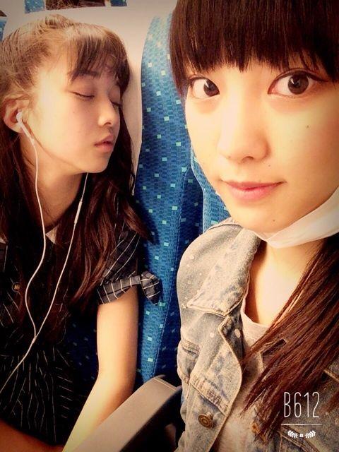 【エンタメ画像】【モーニング娘。'15】ハンター飯窪!撮った!譜久村,&,牧野の可愛すぎる寝顔