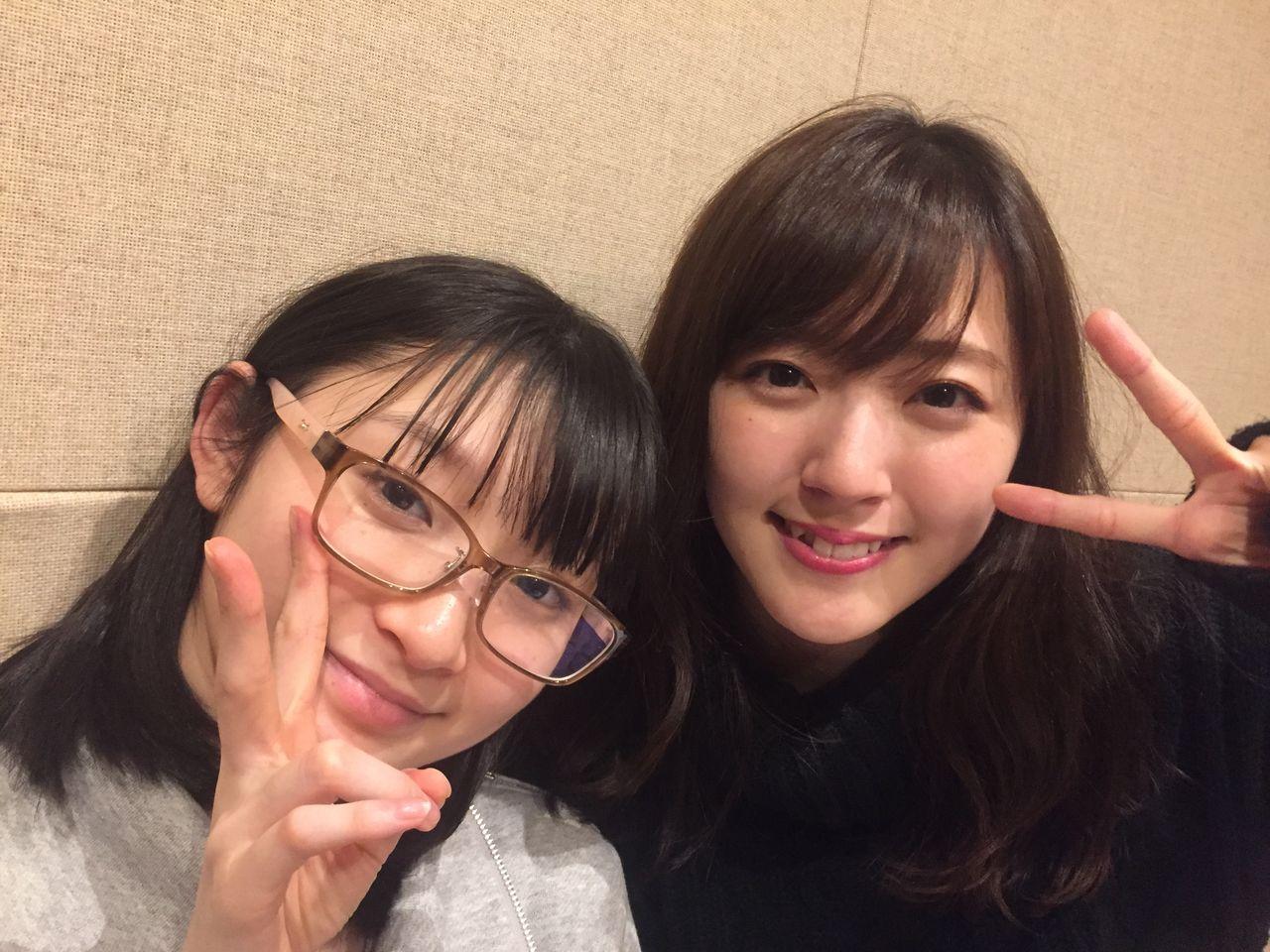 【エンタメ画像】鈴木愛理ちゃんが美ロリ眼鏡っ子とツーショット!!!!!!!!