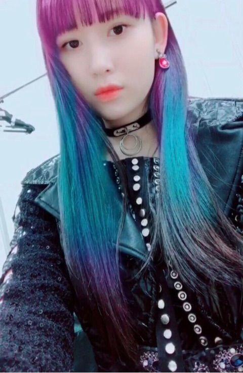 【エンタメ画像】【アンジュルム】笠原桃奈、美髪をピンクと青に染める