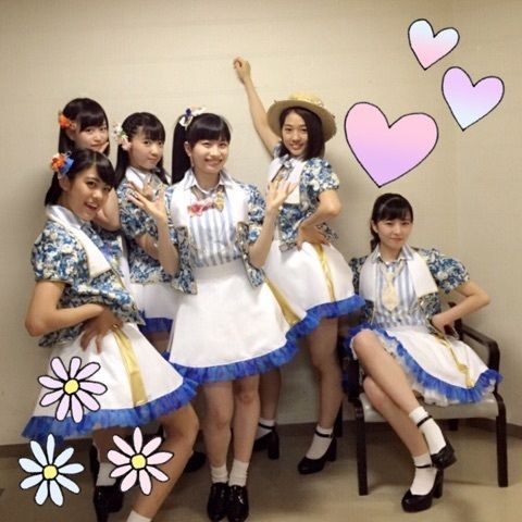 【エンタメ画像】つばきファクトリー、集合写真は割とふざけるグループのお知らせ!!