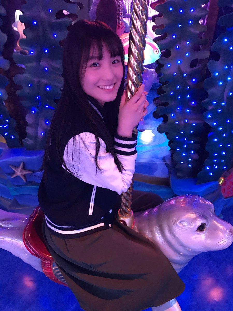 【エンタメ画像】あの純真派シンガーが事務所の先輩で元グラドルの福田まろに馬乗りになる暴挙!!!
