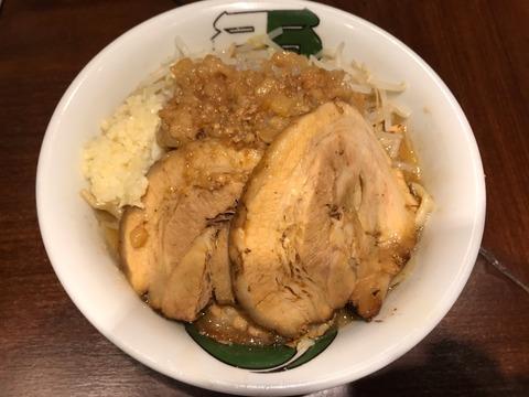 ラーメン 雷 東京本丸店