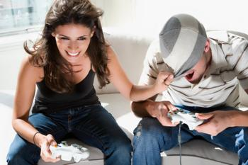 515372887_couple_playing_video_games_xlarge