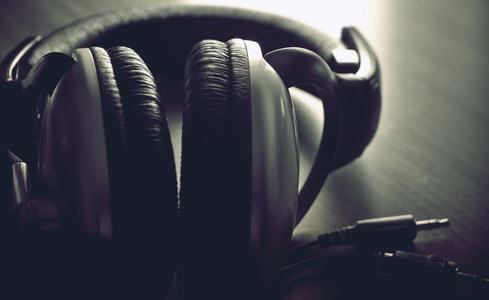 music-headphones-770x472