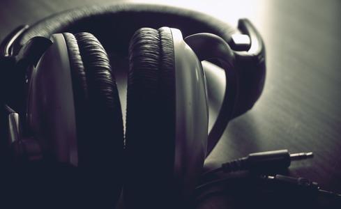 music-headphones-770x472