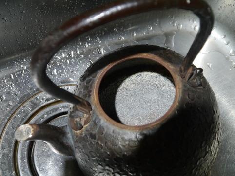 鉄瓶の湯垢