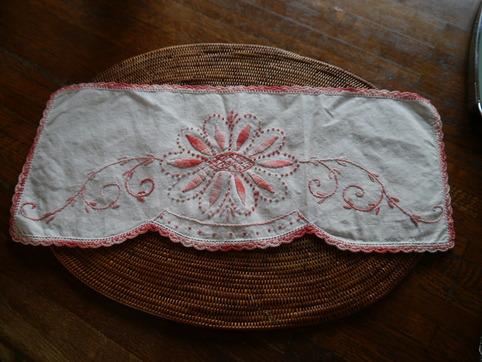 手刺繍の布