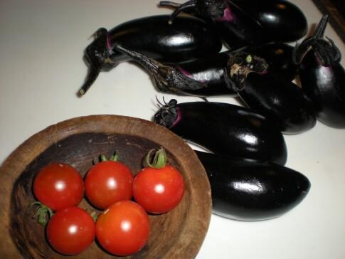 茄子とミニトマト