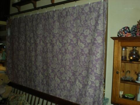 カーテンを縫った