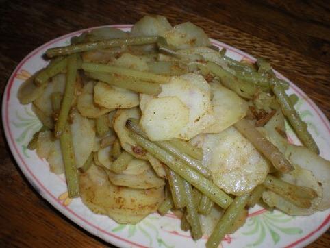 ジャガイモ&蕗のカレー炒め
