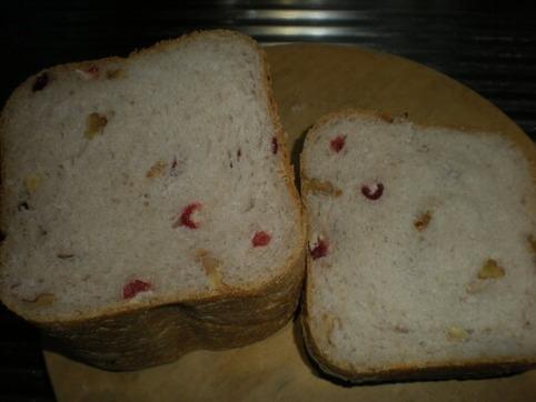 胡桃&クランベリーのパン