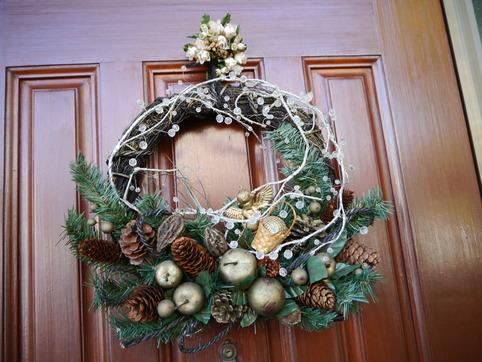 玄関ドアのリース