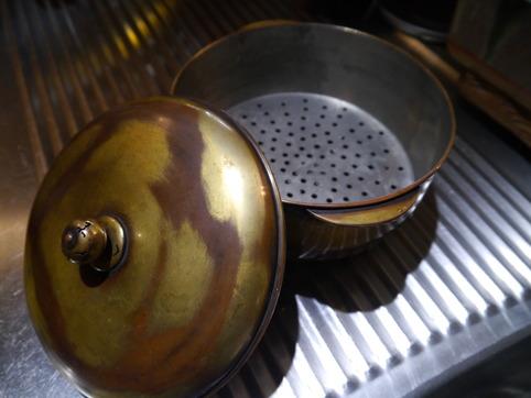 銅の蒸し器