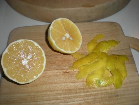 檸檬の皮を削ぐ2