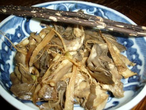 小松菜の根っこ&舞茸の炒め物