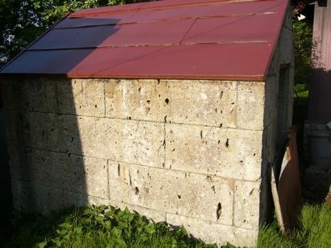 大谷石の小屋