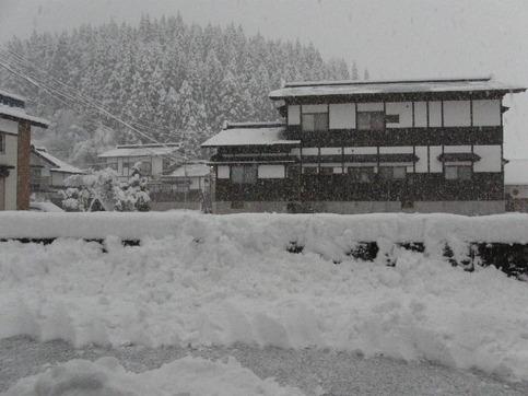 雪に埋もれて・・