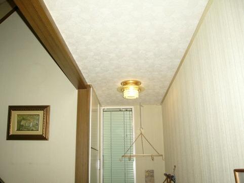 玄関横(野菜置き場)の灯り