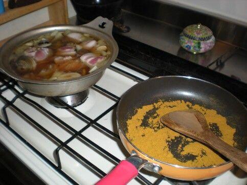 カレー粉を炒る