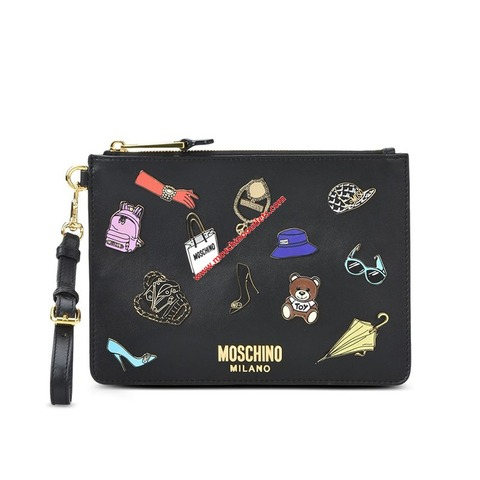 moschino-iconicbadges-clutch-black-1