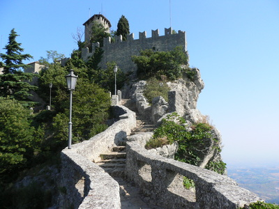 城へ続く道
