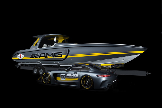 2016-Mercedes-AMG-GT3-Cigarette-Racing-Boat-06