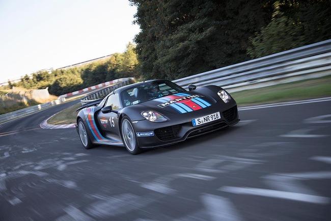 Porsche-918-Spyder-on-the-Nurburgring-2