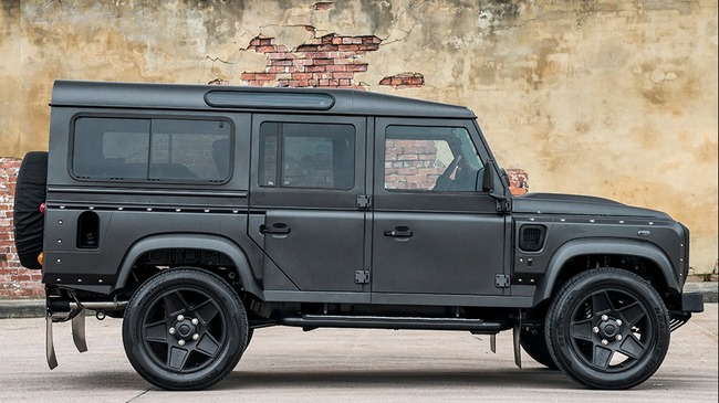 Kahn-Land-Rover-Defender-The-End-2