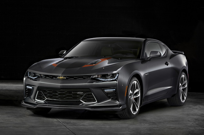 2016_Chevrolet-Camaro-50th-Anniversary_01