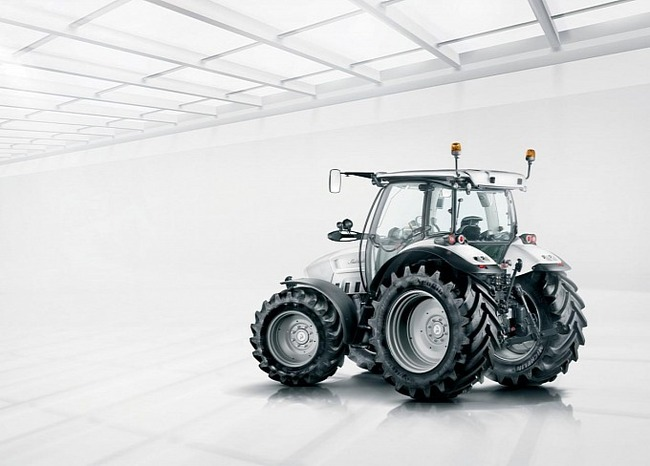 lamborghini-unveils-giugiaro-designed-nitro-tractor-video_2