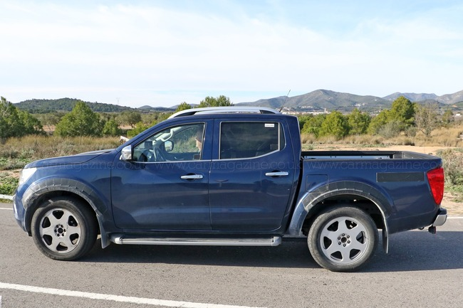 mercedes-pickup-mule-2