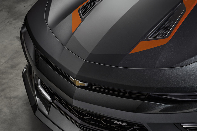 2016_Chevrolet-Camaro-50th-Anniversary_04