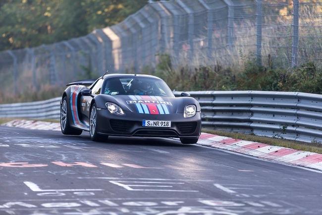 Porsche-918-Spyder-on-the-Nurburgring