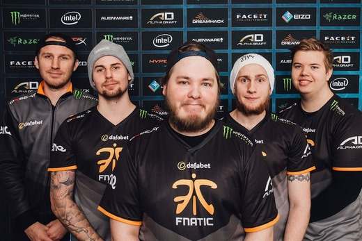 800px-Fnatic_at_DH_Open_Winter_2015