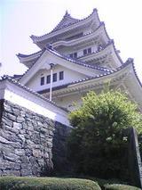 春の川島城。