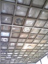 絵馬堂の天井。