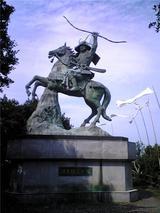 旗山の義経騎馬像(その4)。