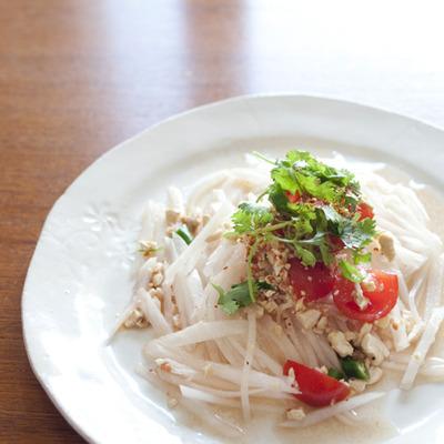 7_ethnic_daikon_salad