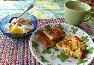 夏の朝食(小).jpg