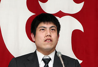 巨人・西村、倍増の8000万で更改