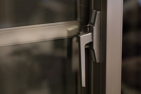 lock-window