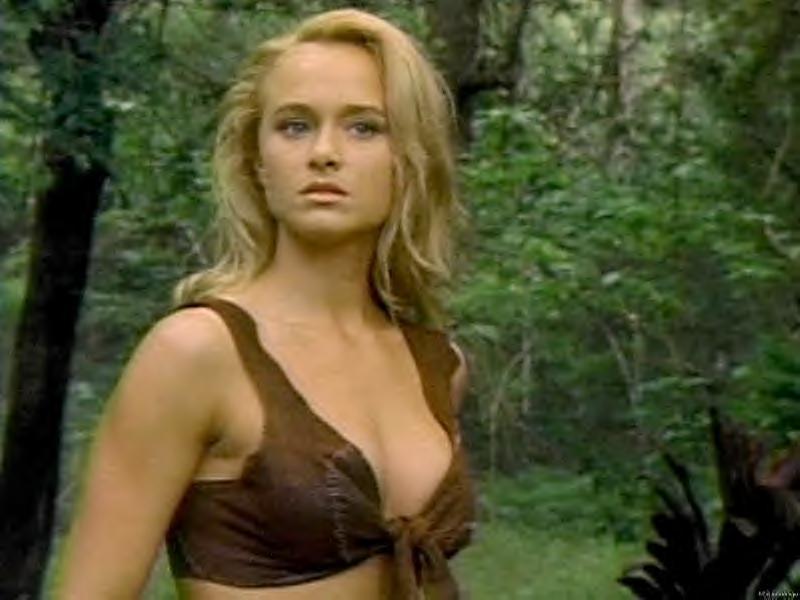 オススメ!新作旧作ホラー映画と ヒロインの世界ついに公開 『ジュラシック・ワールド』! 恐竜と美女のDVD 2本紹介!コメント