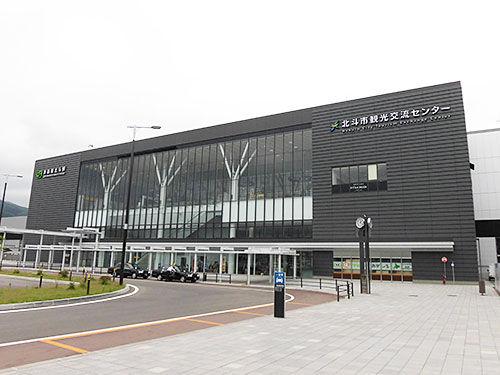 近くまで来たのでついでに新函館北斗駅北口にあるというずーしーほっきーの田んぼアートを見学に行ってきました。