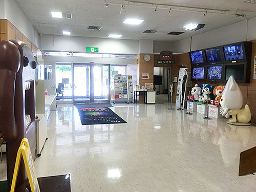 NHK函館放送局の社員食堂は一般...