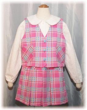 小学生のシロへ縫った最初のベストスーツ