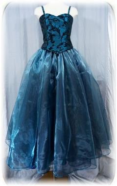 ピアノ演奏のタメのキャミドレス