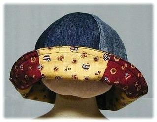 帽子はワンピースとパンツ生地