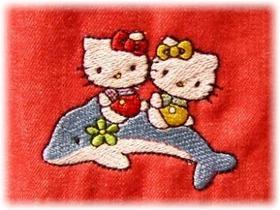 パンツ裾の刺しゅう