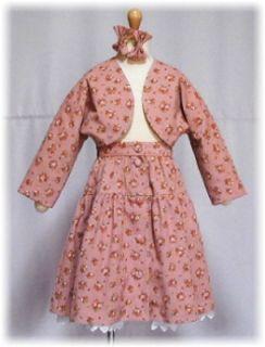 入園式用にはピンクのボレロスーツ